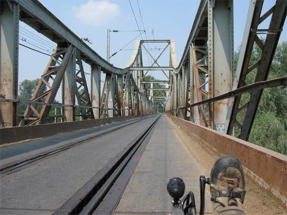 most čez Veliko Moravo