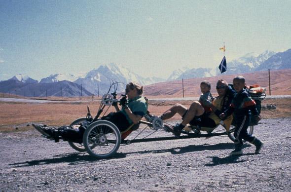 tandem ročno kolo in tricikel