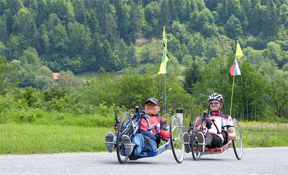 v Logarsko dolino z ročnimi kolesi