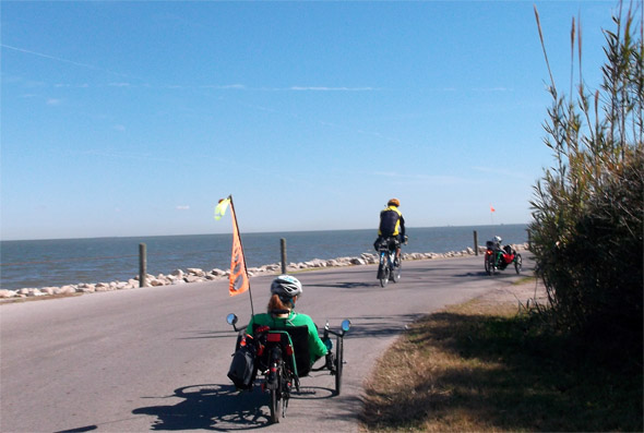 Denise s kolesarji na potepu
